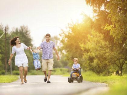 familywalking-420x315